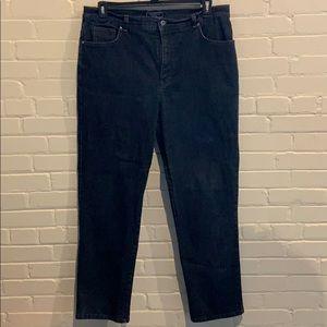 NWOT womens 18 37/30 Charter Club straight jeans